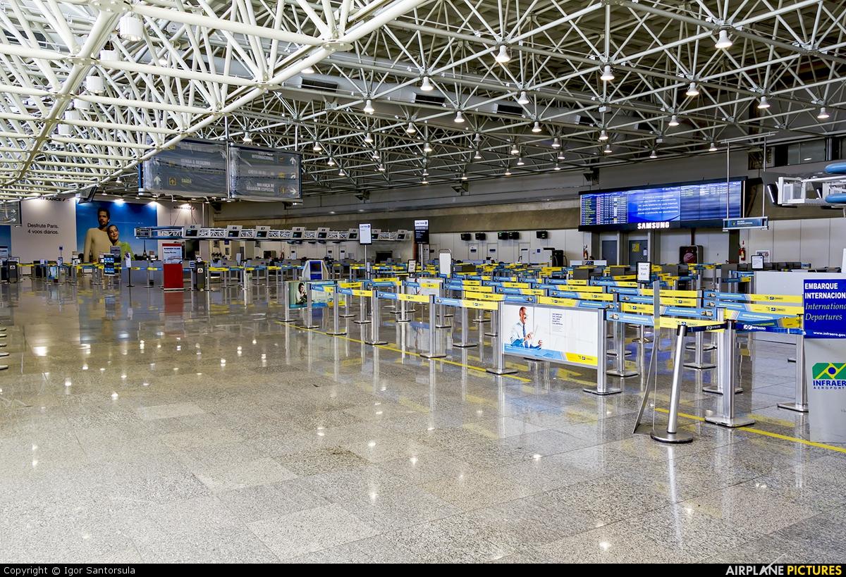 - Airport Overview - aircraft at Rio de Janeiro/Galeão Intl - Antonio Carlos Jobim