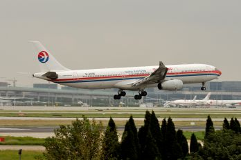 B-6096 - China Eastern Airlines Airbus A330-300