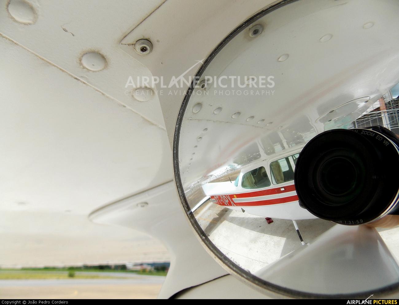 Private PT-OPX aircraft at Governador Valadares