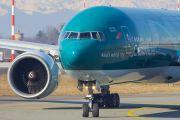 Cathay Pacific B-KPF image
