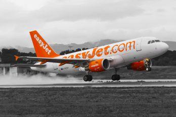 G-EZDX - easyJet Airbus A319