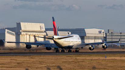 N671US - Delta Air Lines Boeing 747-400