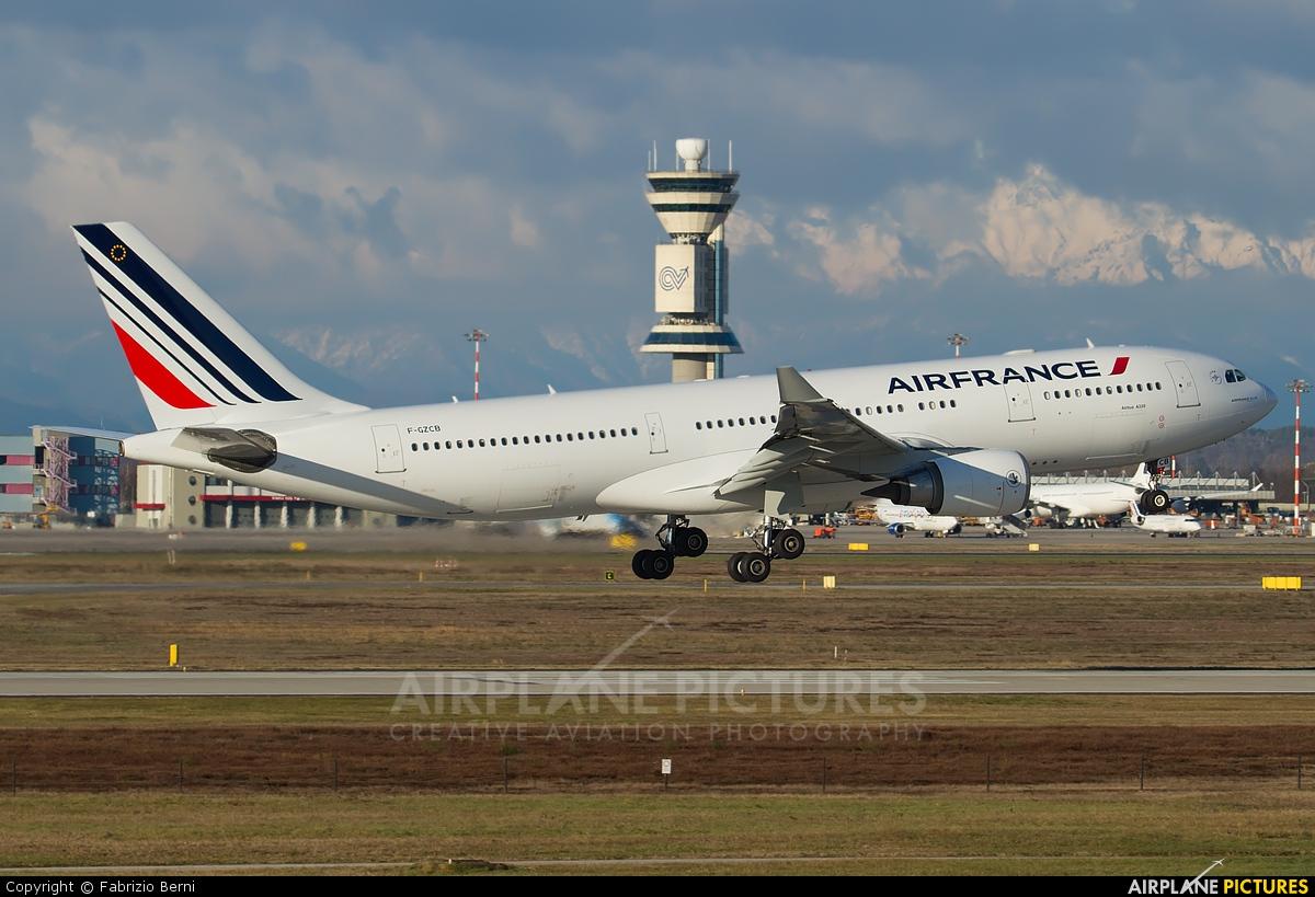 Air France F-GZCB aircraft at Milan - Malpensa