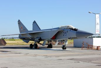 25 - Russia - Air Force Mikoyan-Gurevich MiG-31 (all models)