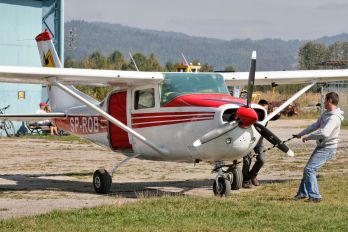 SP-ROB - Private Cessna 206 Stationair (all models)
