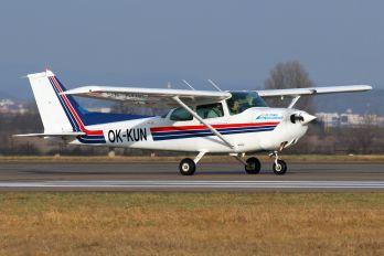 OK-KUN - Private Cessna 172 Skyhawk (all models except RG)