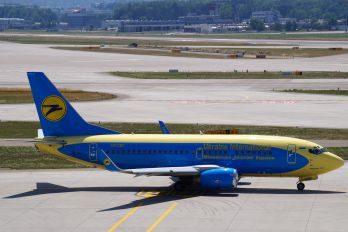 UR-GBF - Ukraine International Airlines Boeing 737-500