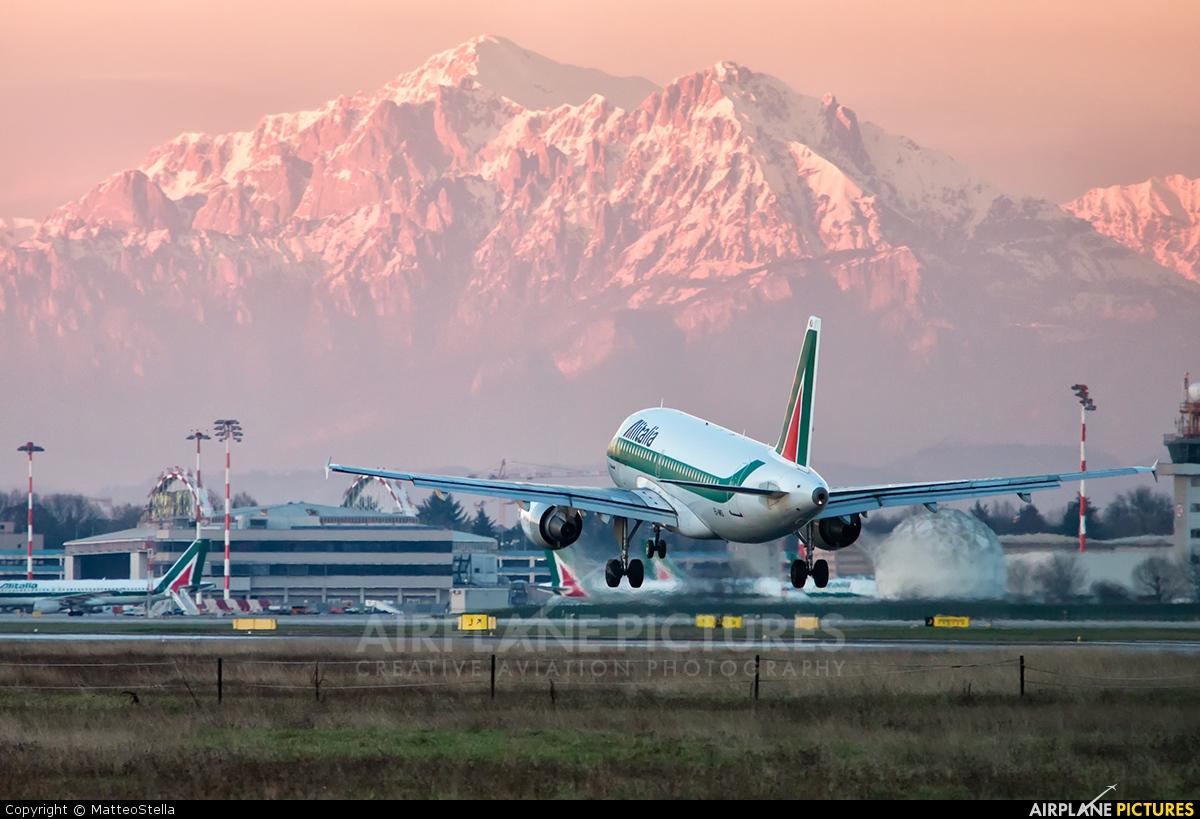 Alitalia EI-IMD aircraft at Milan - Linate