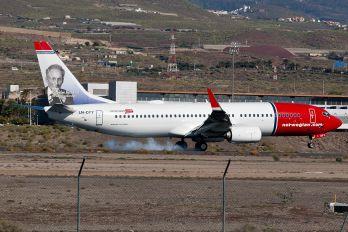 LN-DYY - Norwegian Air Shuttle Boeing 737-800