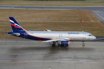 VQ-BIU - Aeroflot Airbus A320