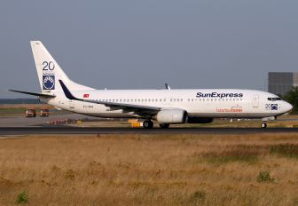 TC-SNJ - SunExpress Boeing 737-800