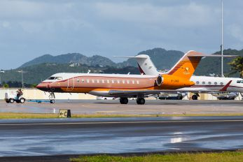M-UNIS - Private Bombardier BD-700 Global Express XRS
