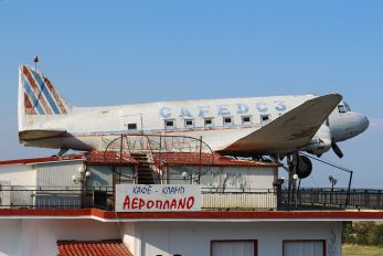92641 - Greece - Hellenic Air Force Douglas C-47A Skytrain