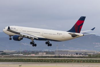 N801NW - Delta Air Lines Airbus A330-300
