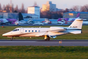 M-MARI - Private Learjet 60XR