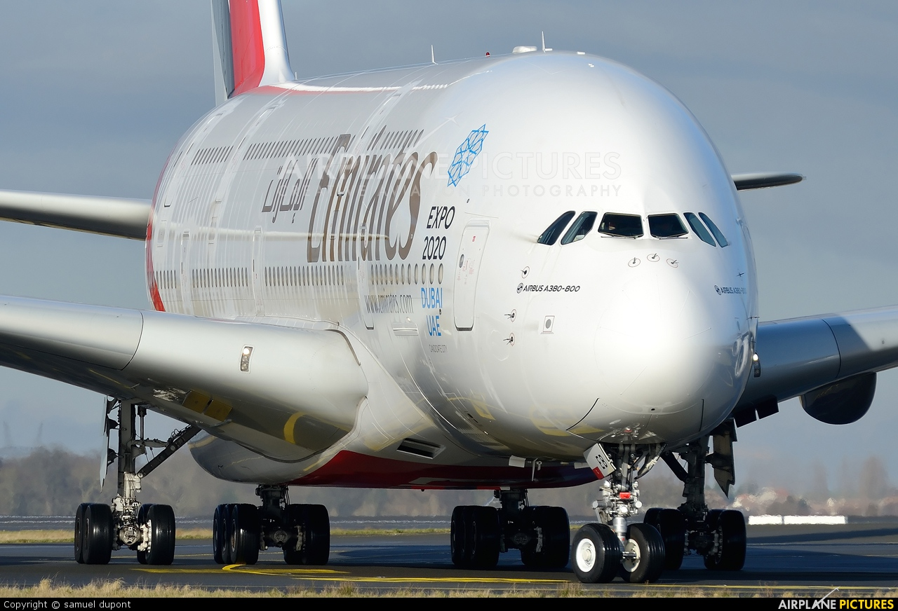 Emirates Airlines A6-EEB aircraft at Paris - Charles de Gaulle