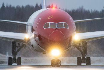 EI-LNB - Norwegian Long Haul Boeing 787-8 Dreamliner