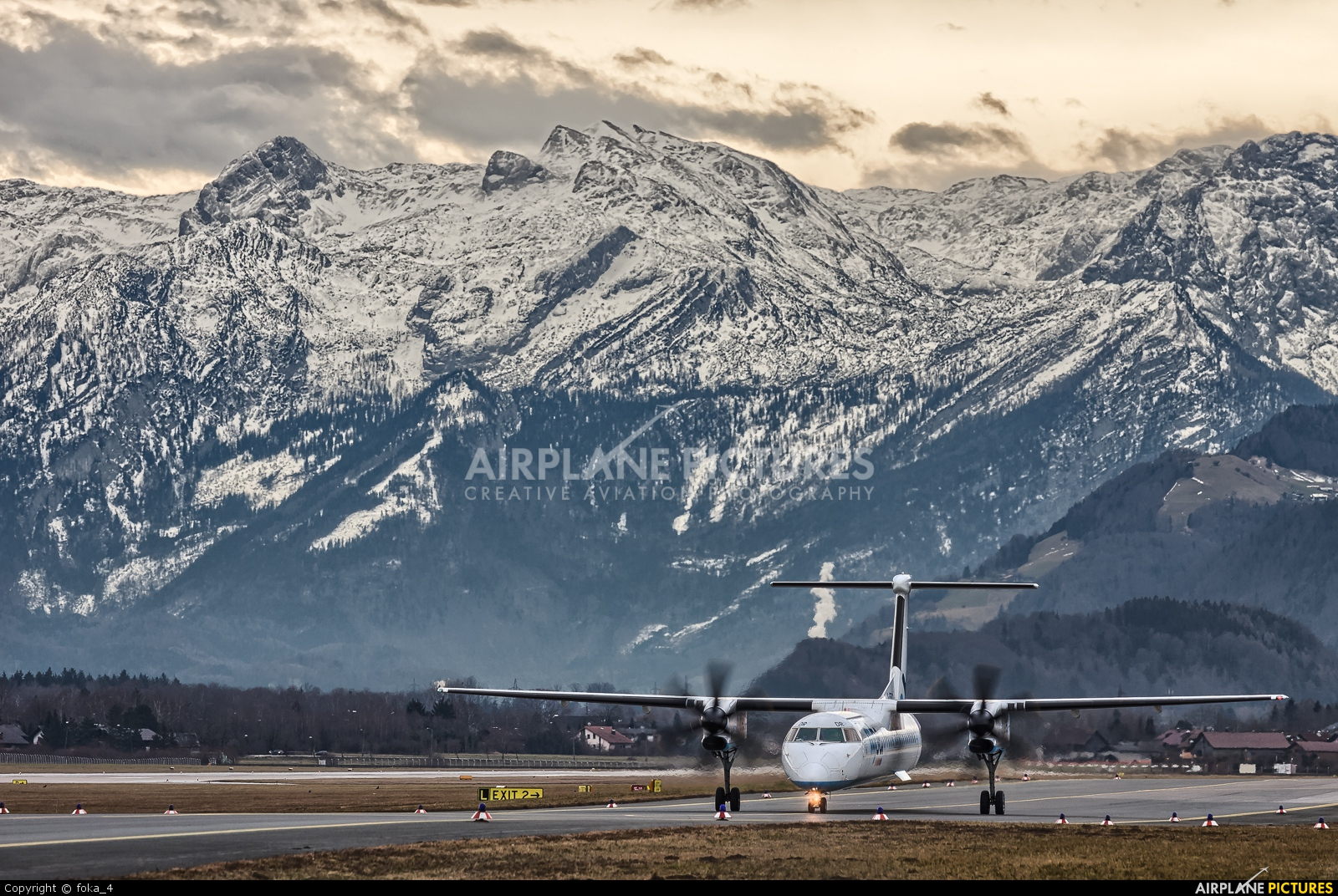 Flybe G-JEDR aircraft at Salzburg