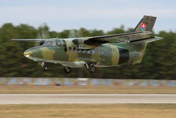 0927 - Slovakia -  Air Force LET L-410 Turbolet
