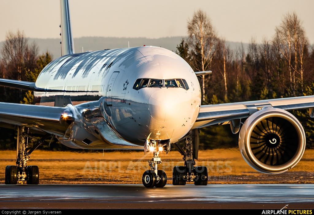 Thai Airways HS-TKR aircraft at Oslo - Gardermoen