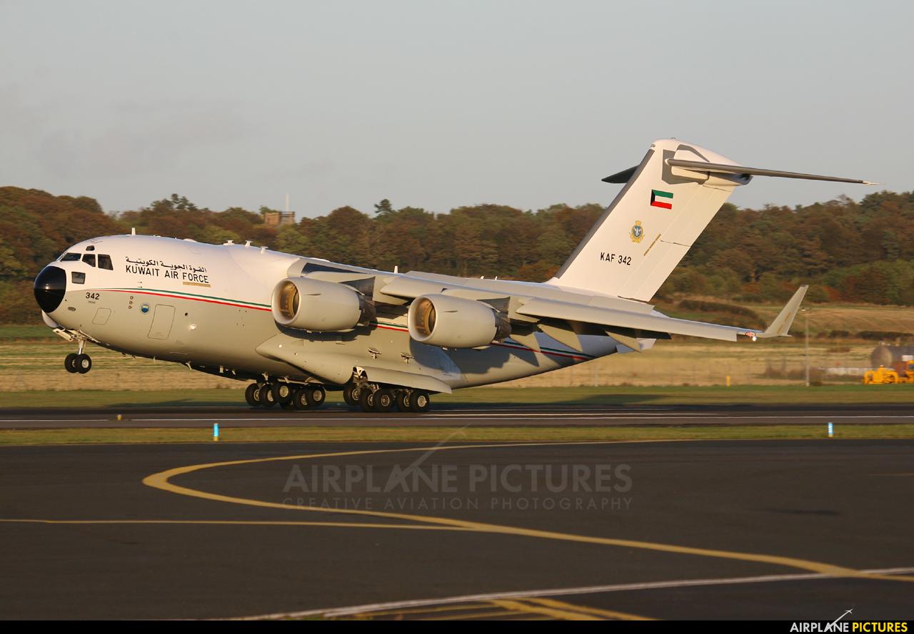 Kuwait - Air Force KAF342 aircraft at Prestwick