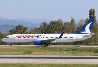TC-SBR - AnadoluJet Boeing 737-800