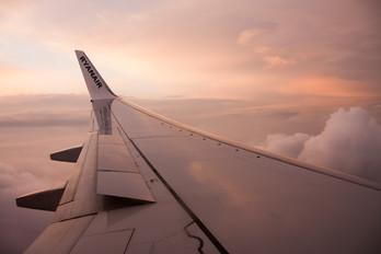 EI-DWT - Ryanair Boeing 737-800