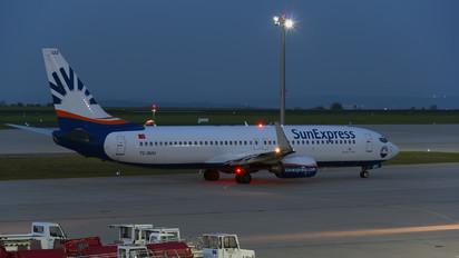 TC-SUU - SunExpress Boeing 737-800