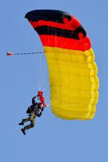 - - Aeroklub Białostocki Parachute Fan