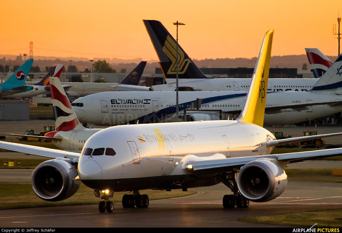 Royal Brunei Airlines V8-DLC aircraft at London - Heathrow