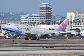 B-18211 - China Airlines Boeing 747-400