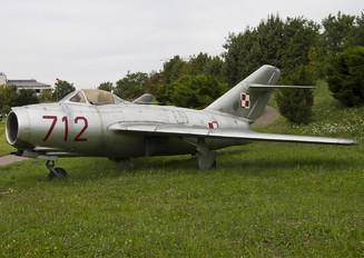 712 - Poland - Air Force PZL Lim-1