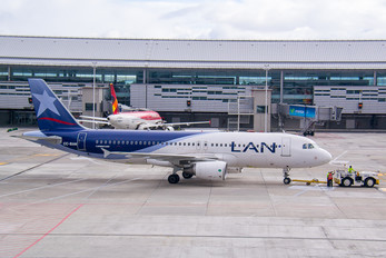 CC-BAN - LAN Colombia Airbus A320