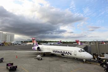 N476HA - Hawaiian Airlines Boeing 717