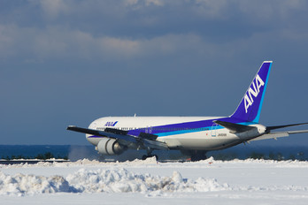 JA8368 - ANA - All Nippon Airways Boeing 767-300