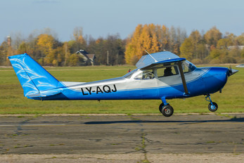 LY-AQJ - Private Cessna 172 Skyhawk (all models except RG)