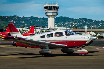 F-OIJD - Private Piper PA-28 Archer