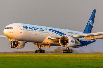F-OREU - Air Austral Boeing 777-300ER