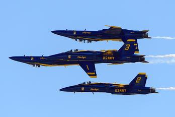 163754 - USA - Navy : Blue Angels McDonnell Douglas F/A-18C Hornet