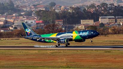PR-AIV - Azul Linhas Aéreas Airbus A330-200