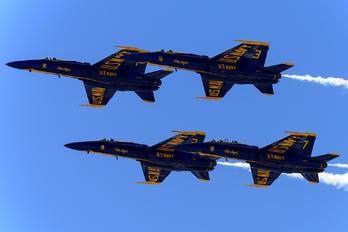 163498 - USA - Navy : Blue Angels McDonnell Douglas F/A-18C Hornet