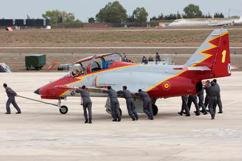 E.25-23 - Spain - Air Force : Patrulla Aguila Casa C-101EB Aviojet