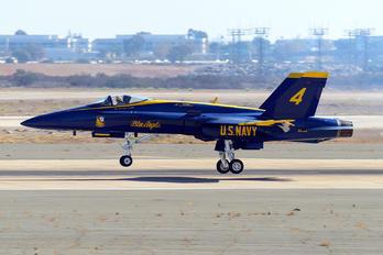 163108 - USA - Navy : Blue Angels McDonnell Douglas F/A-18A Hornet