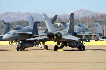 163447 - USA - Marine Corps McDonnell Douglas F/A-18D Hornet