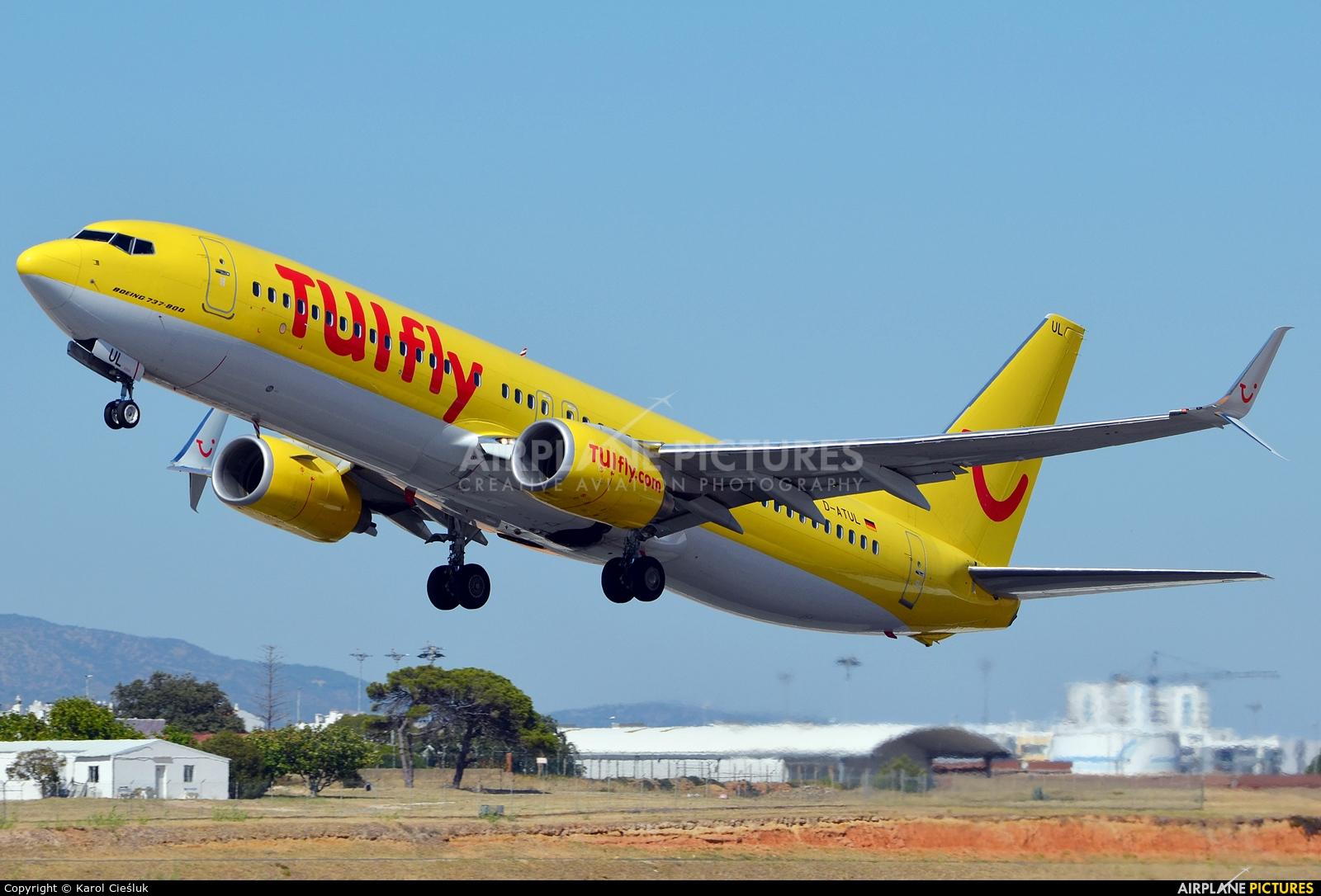 TUIfly D-ATUL aircraft at Faro