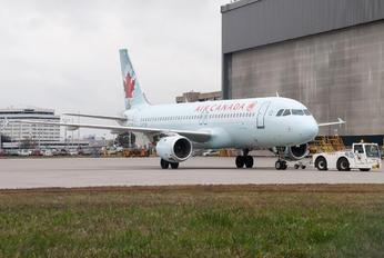 C-FTJP - Air Canada Airbus A320