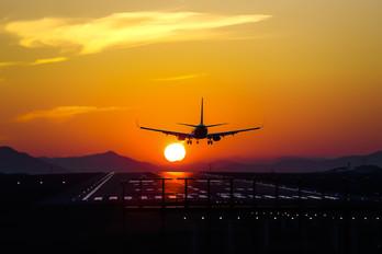 - - Spring Airlines Japan Boeing 737-800