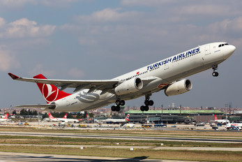 TC-JNP - Turkish Airlines Airbus A330-300