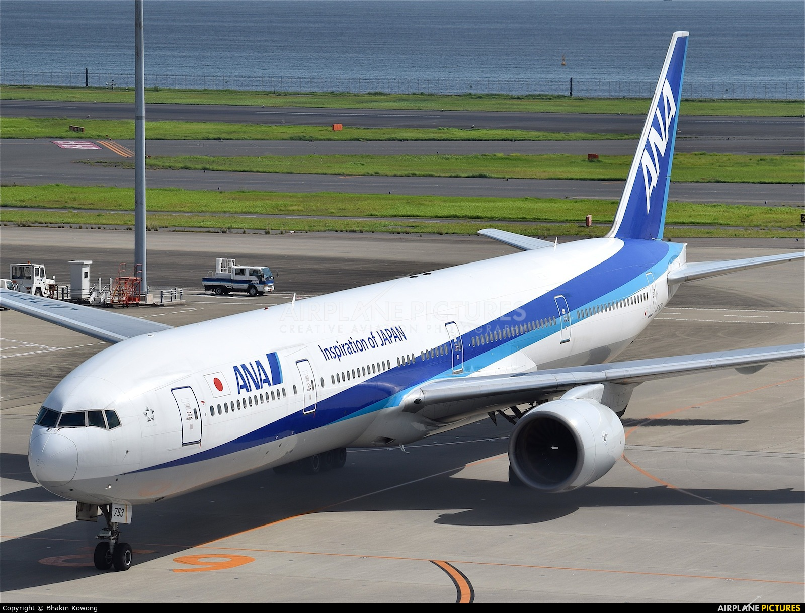 ANA - All Nippon Airways JA753A aircraft at Tokyo - Haneda Intl