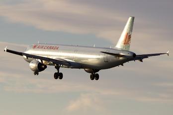 C-GIUF - Air Canada Airbus A321